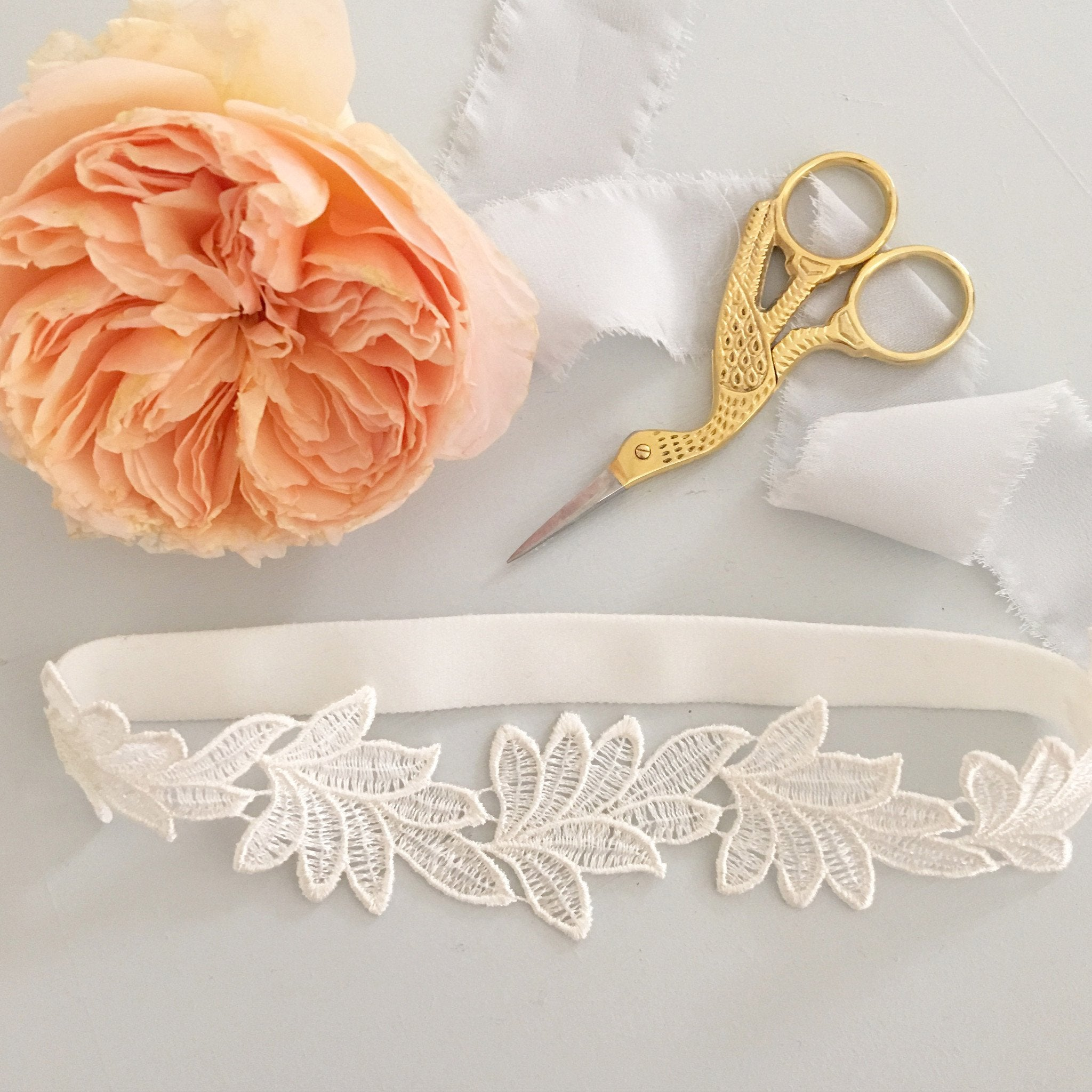lace leaf wedding garter
