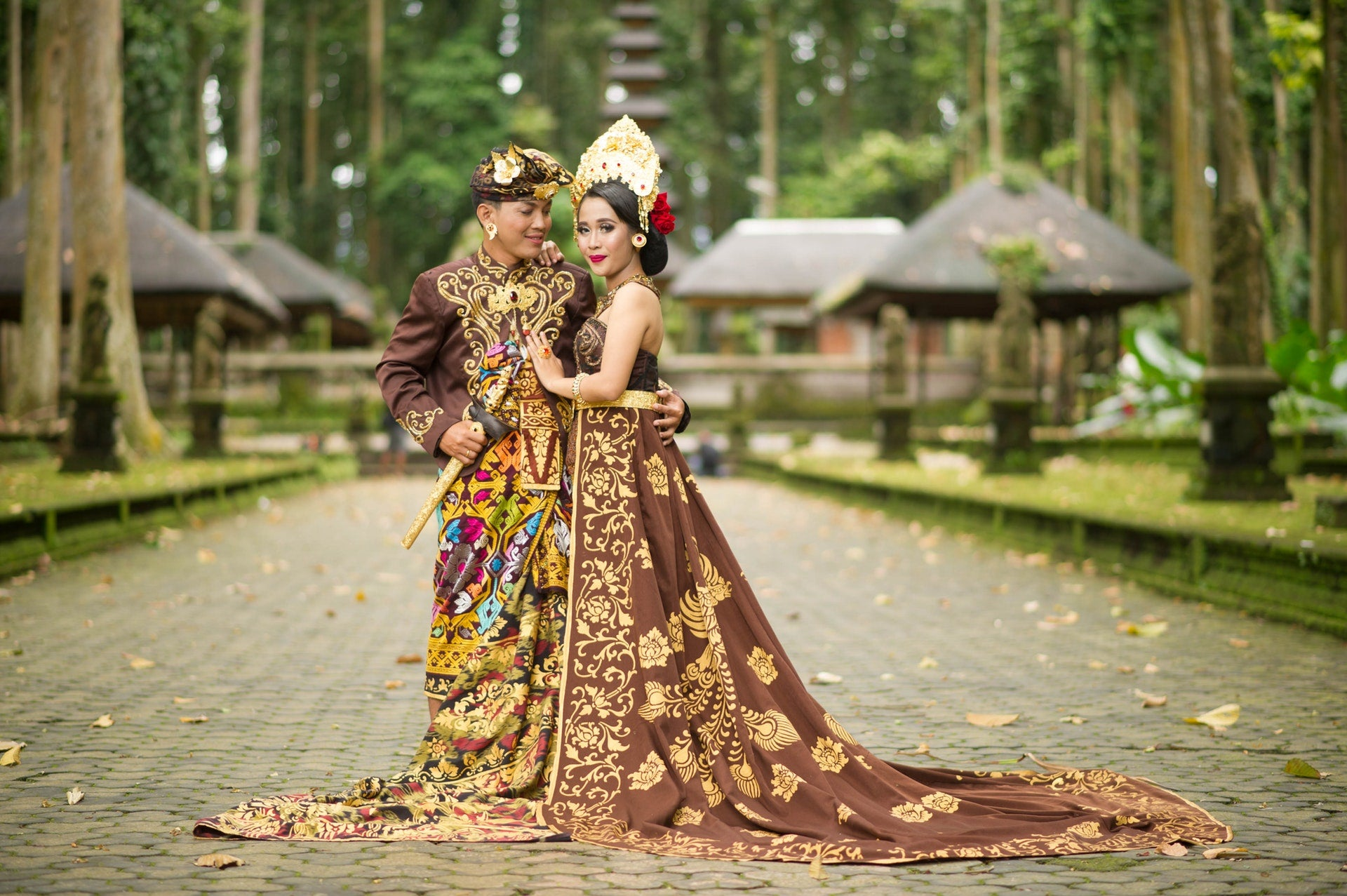 Traditional Balinese Bridal Outfit | Britten Weddings | Photo by I Gede Karsa from Pexels