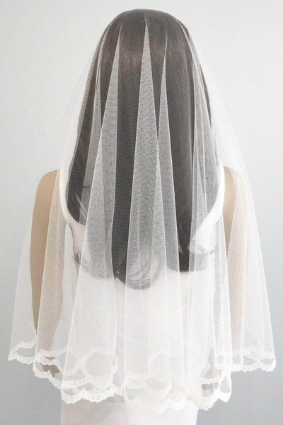 Lace edge drop veil