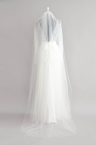 Cascade comb single tier cut edge veil - 'Calypso'