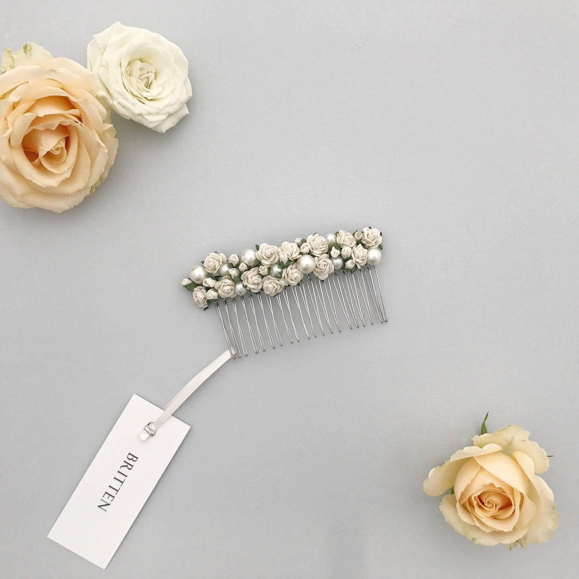 Wedding Haircomb Ivory Wedding hair comb with roses and pearls - 'Rosa'