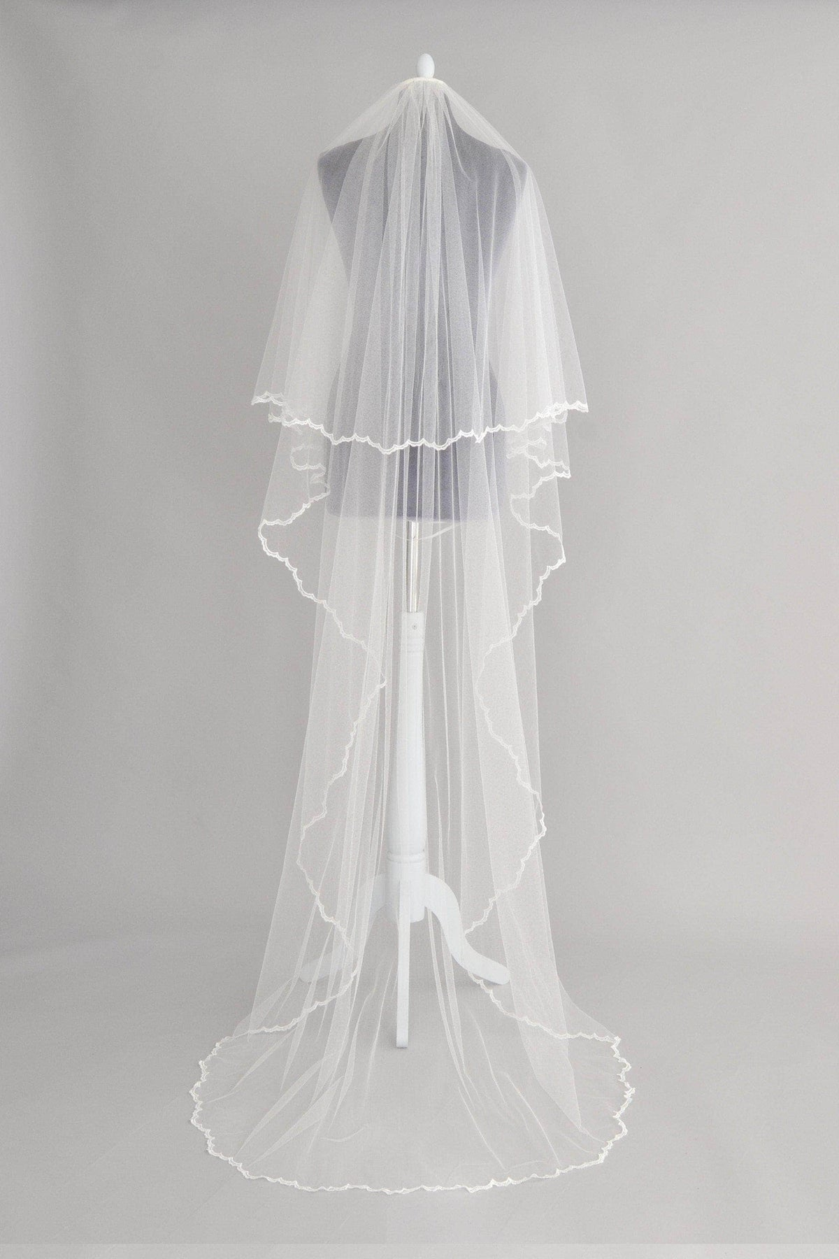 Wedding Veil Crisp silk two tier wedding veil with delicate lace edge - 'Nala'