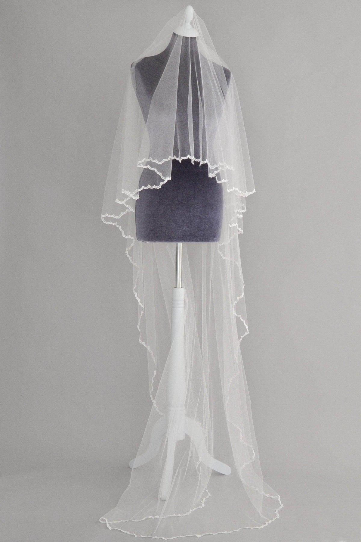 Wedding Veil Drop wedding veil with delicate lace edge - 'Adia'