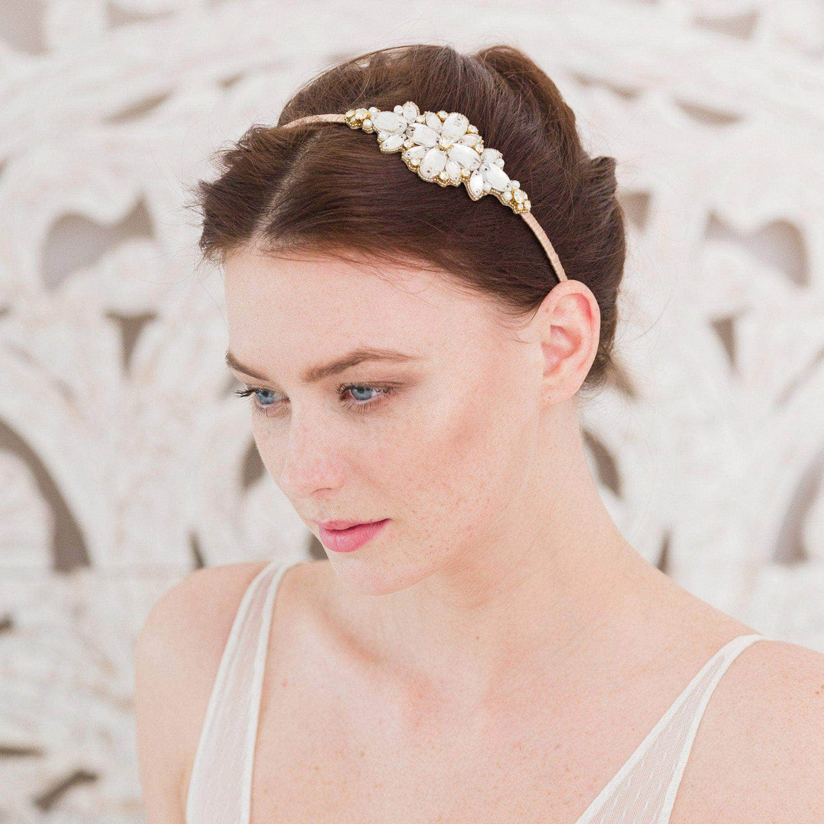 Wedding Headband Gold wedding headband with crystals and pearls 'Charia'