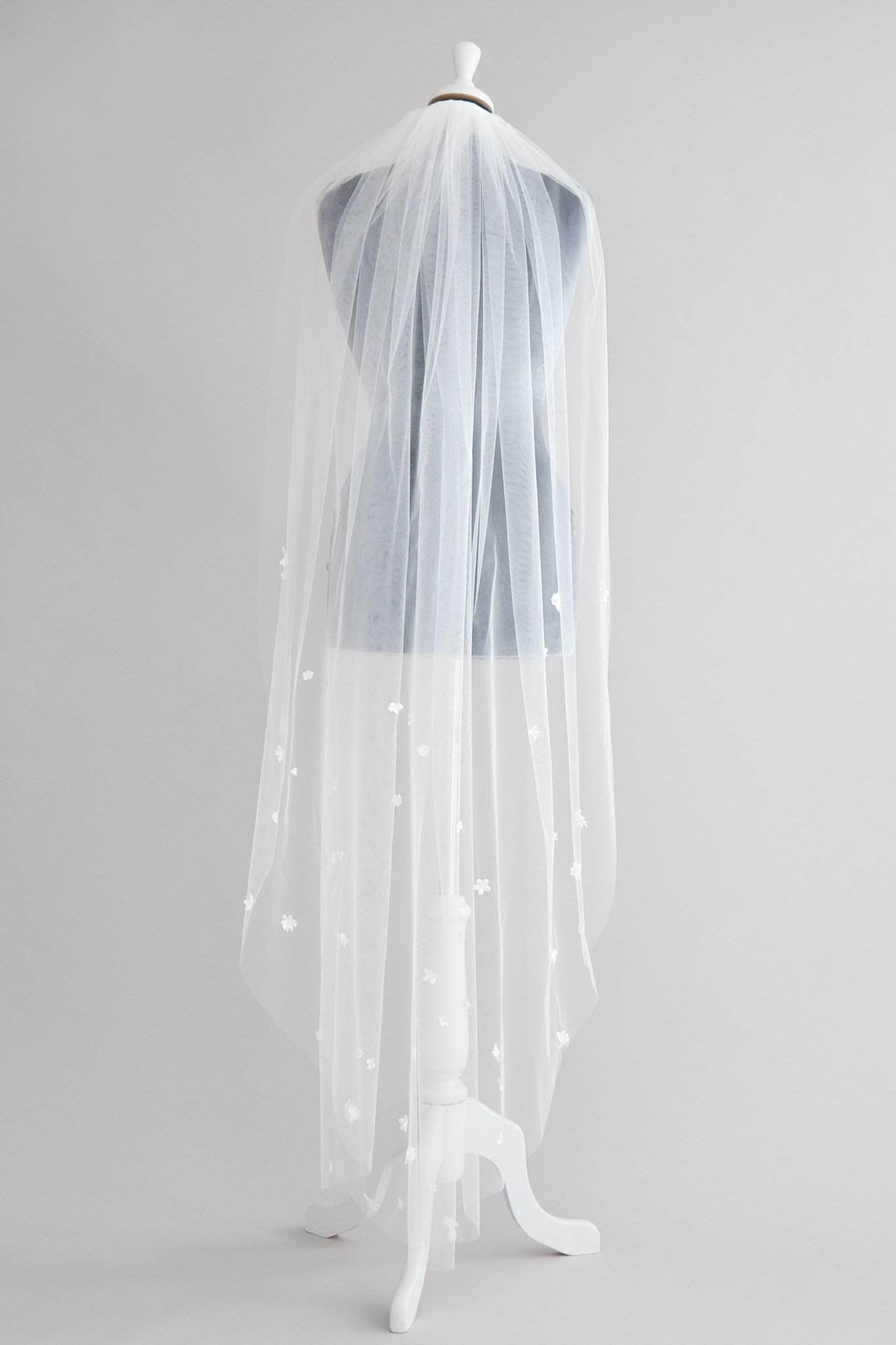 Flower wedding veil - Meadow