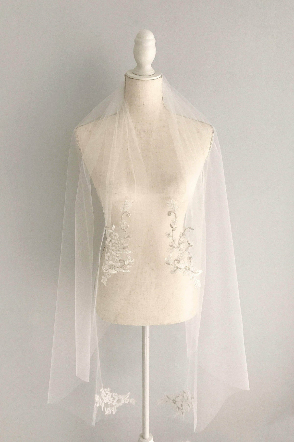 Wedding Veil Lace flower motif wedding veil - 'Paisley'