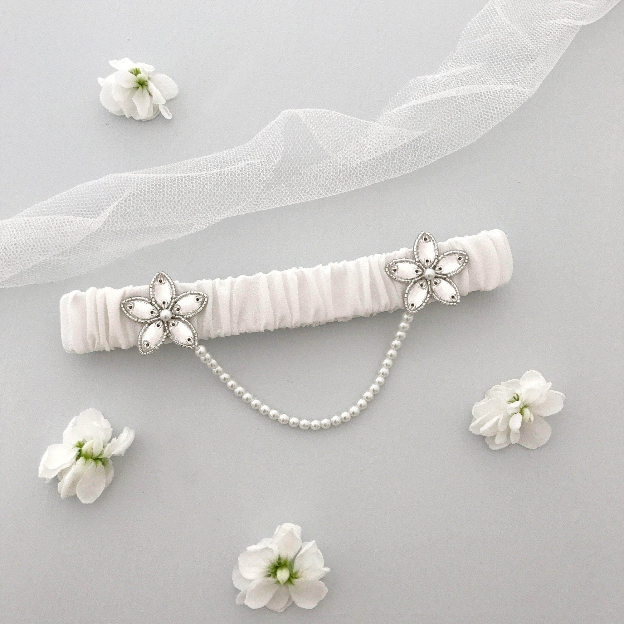 Wedding Garter Ivory / Extra small 35-40cm (13.5-16 inch) Luxury silk wedding garter with pearl chain (various colours) - 'Iva'