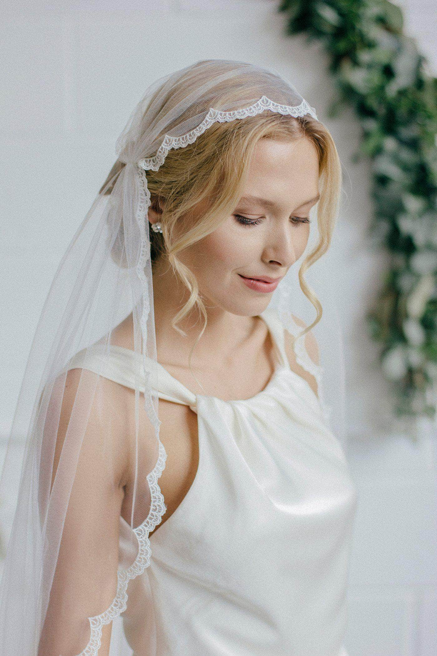 Lace Edge Juliet Cap Wedding Veil - 'Edna'