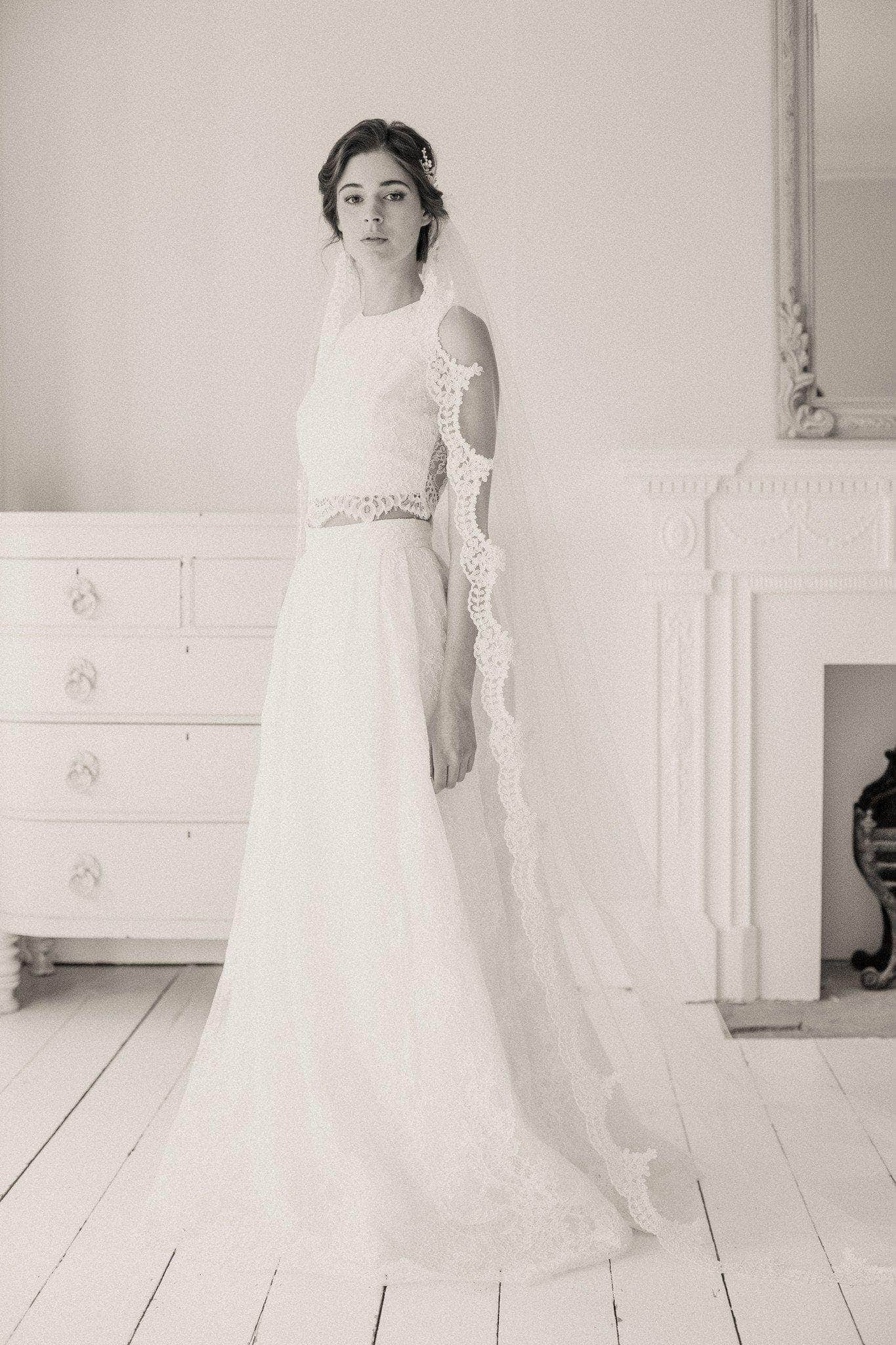 lace edge wedding veil