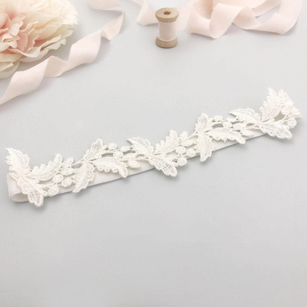 Wedding Garter Bridal garter set - Super sleek lace leaf wedding garter and matching toss garter - 'Juniper'