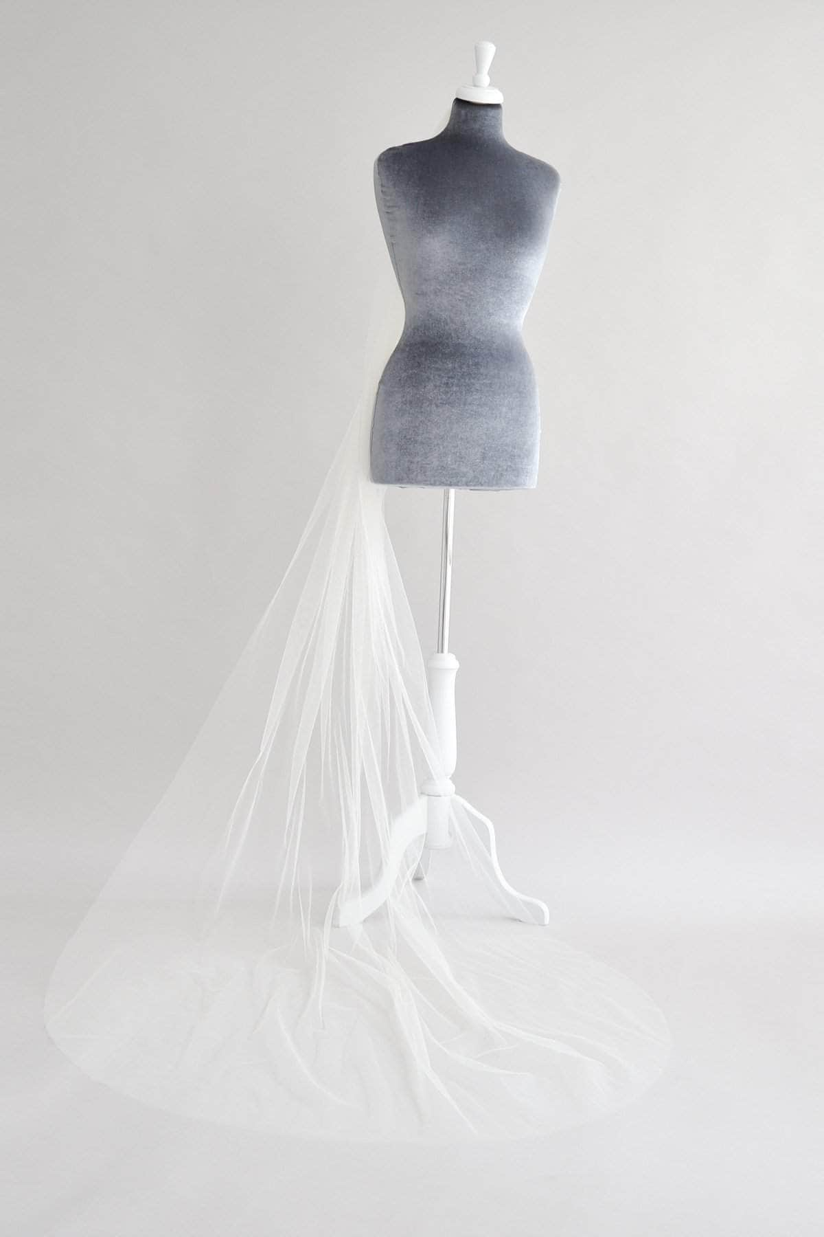 Wedding Veil Narrow single tier cut edge veil - 'Niacae'