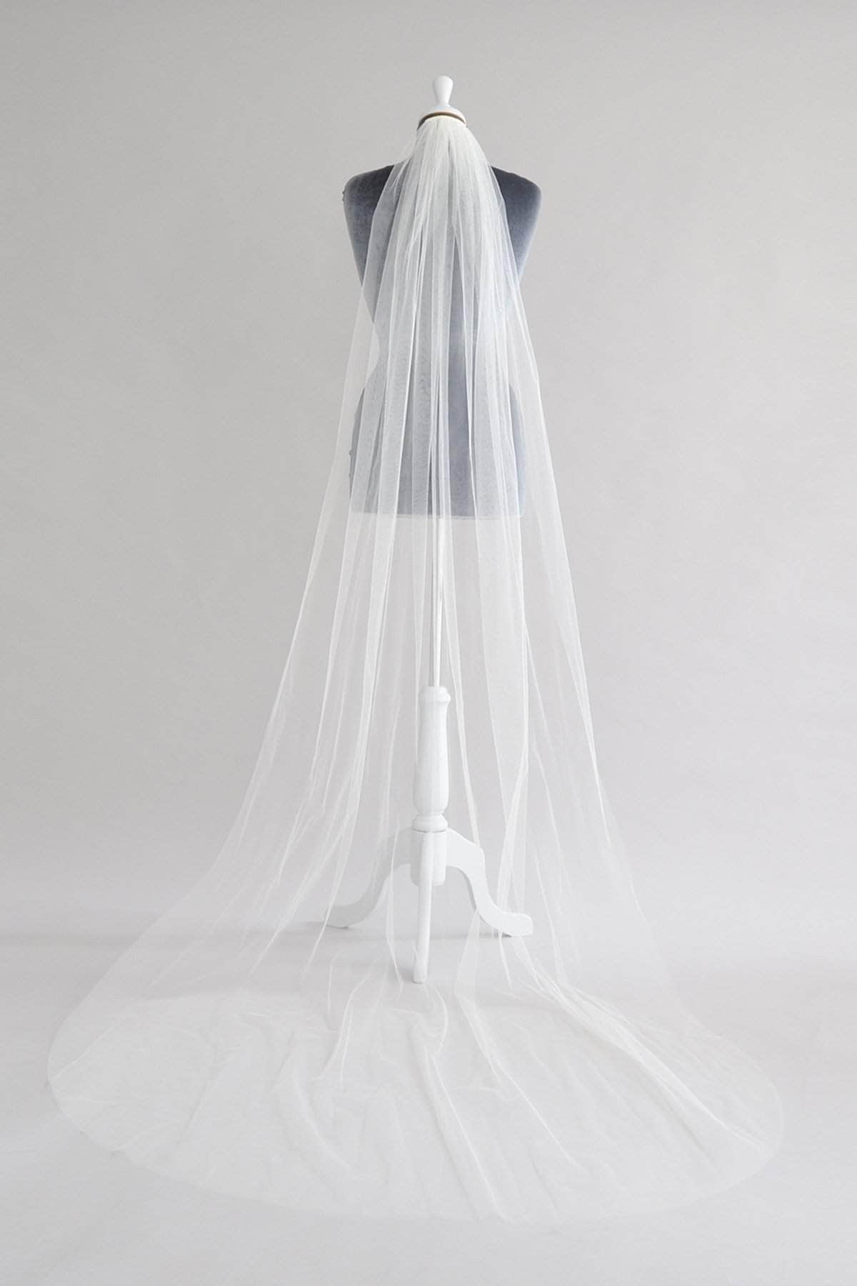 narrow cut edge wedding veil