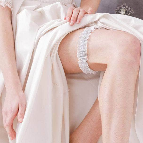 Wedding Garter Wedding garter in lace & silk (various colours) - 'Florence'