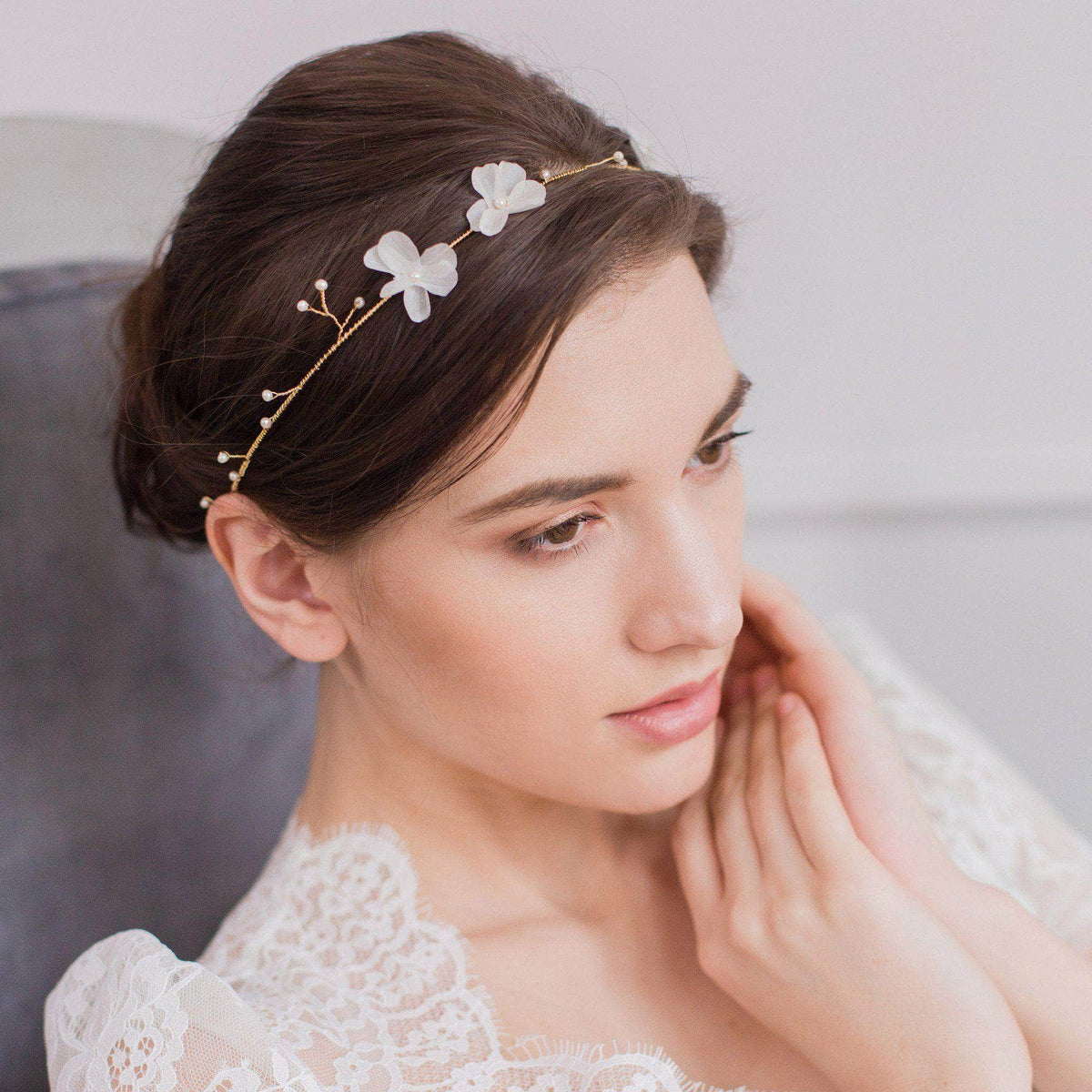 Wedding Hairvine Gold wedding hair vine with pearls and silk flowers - 'Hareré'