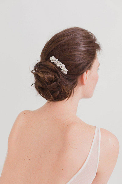 Gold wedding hair comb with super sparkle centre