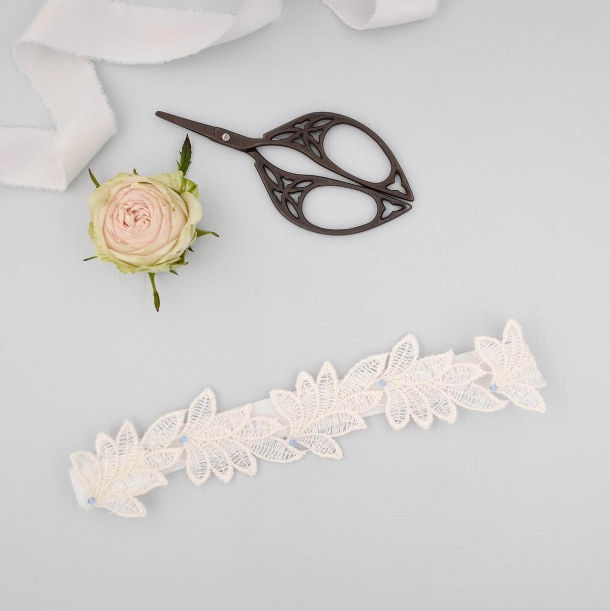 Wedding Garter Bridal garter set - Super sleek lace leaf wedding garter and matching toss garter - 'Elme'