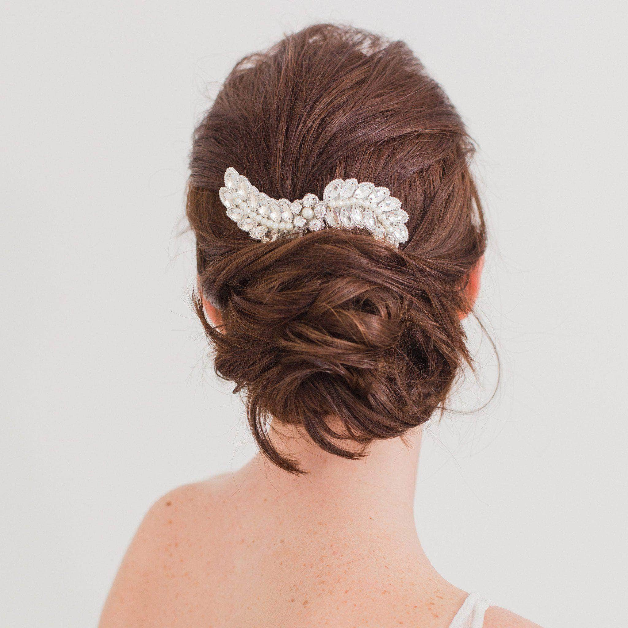 Wedding hair comb with crystals and pearls