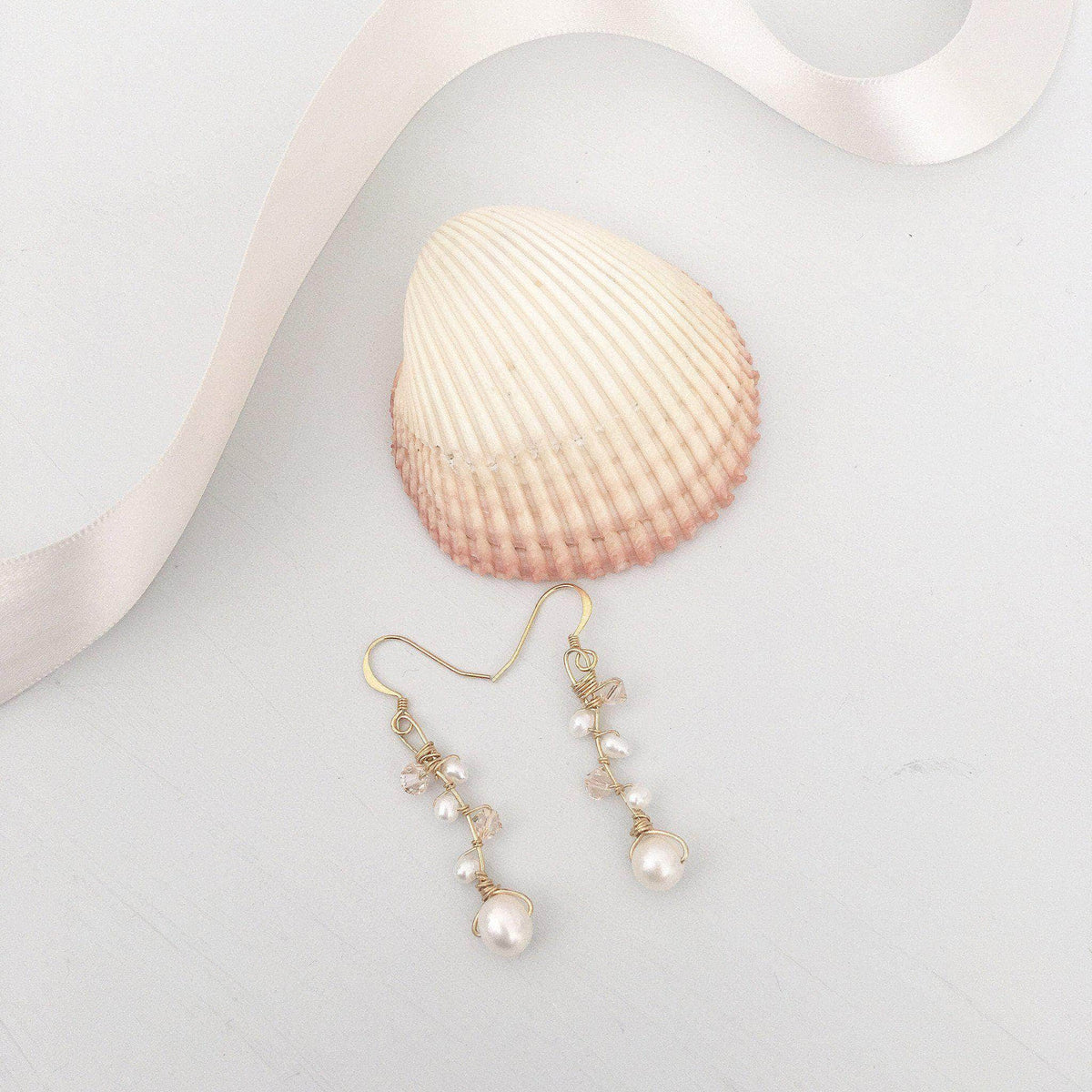 Wedding Earring Goldblush Gold wedding earrings of blush crystal and freshwater pearl - 'Addie'