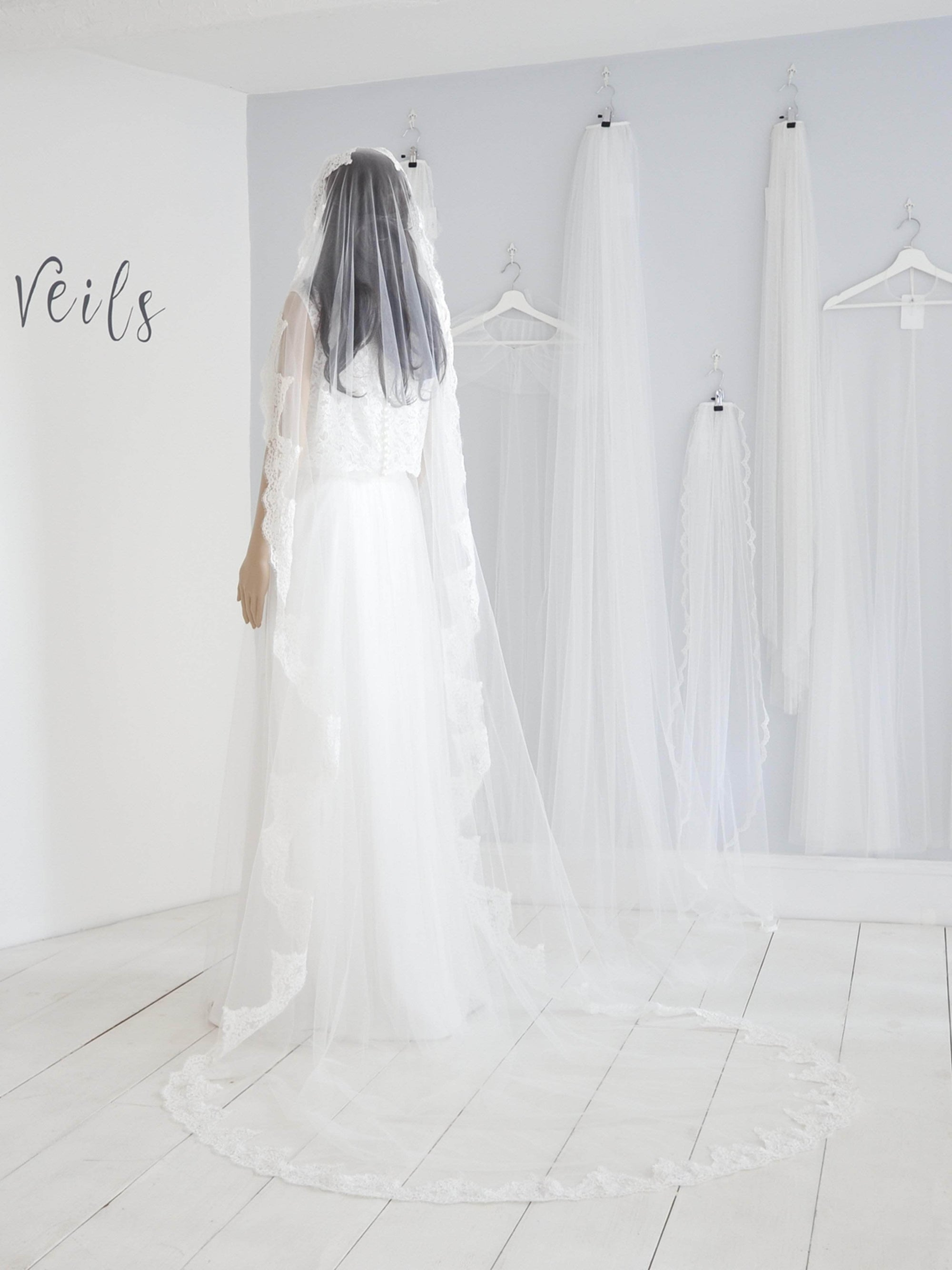 Wedding Veil Lace mantilla wedding veil - 'Adela'