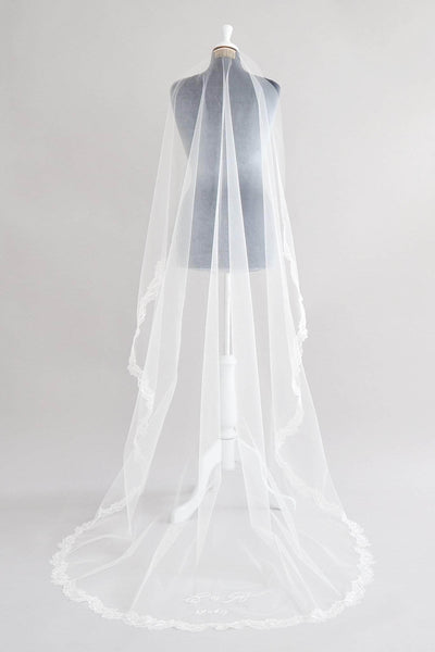 barely there wedding veil with leaf lace