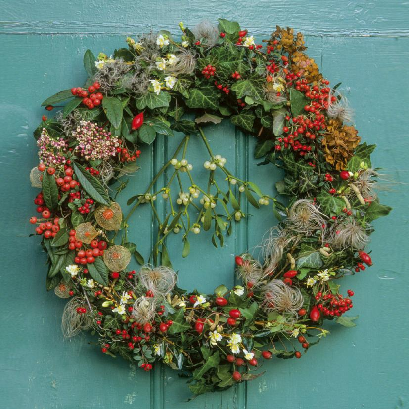 Featured image for the project: The Gardener's Garland - Christmas card pack