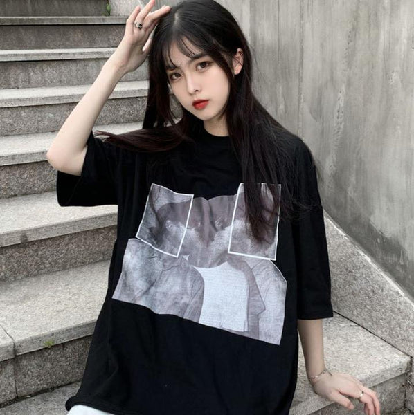 ABSTRACT COUPLES PRINT WHITE BLACK OVERSIZED T-SHIRT