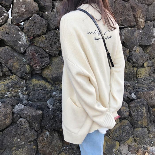 BLACK CREAMY WHITE VINTAGE OVERSIZED CARDIGAN SWEATER