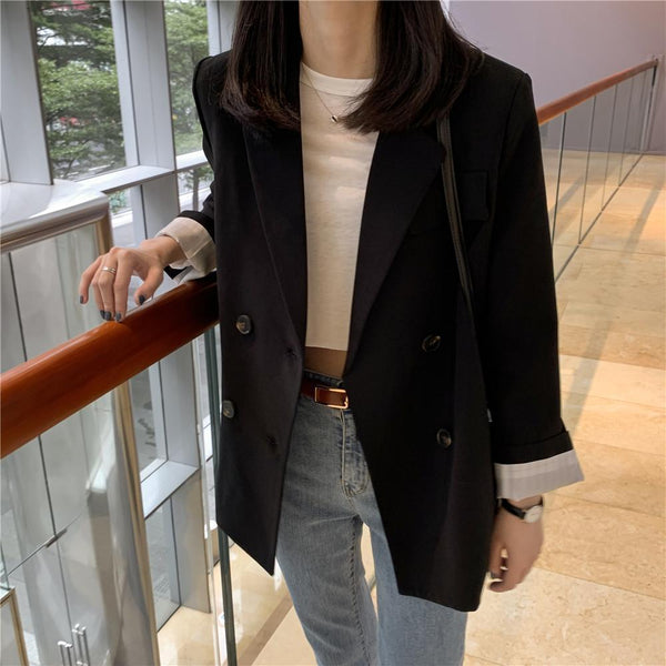BLACK LOOSE AESTHETIC BLAZER JACKET AND WHITE CROPPED SHIRT