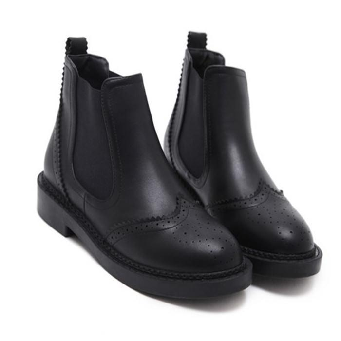 BLACK WESTERN SEWED HOLES CLOSED AUTUMN BOOTS