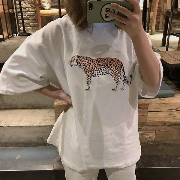 BLACK WHITE LEOPARD FIGURE OVERSIZED T-SHIRT