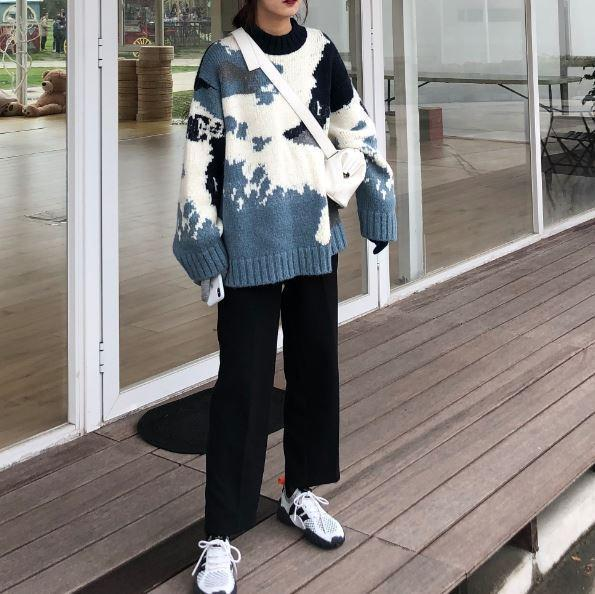 BLUE SKY AND WHITE CLOUDS LOOSE WOOL KNITTED SWEATER