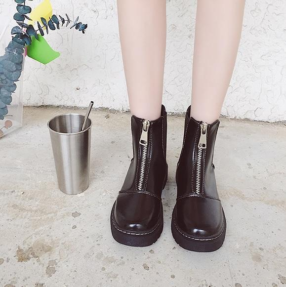 FRONT ZIPPER FULL BLACK MASSIVE BOOTS