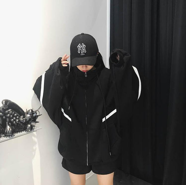 OVERSIZE SPORTY LINES BLACK RED HOODED SWEATSHIRT