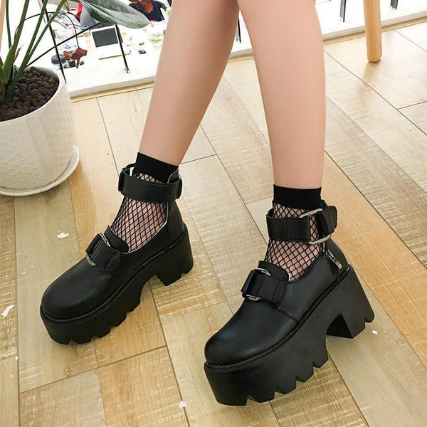 PLATFORM BLACK FRONT BUCKLE PU LEATHER ANKLE BOOTS