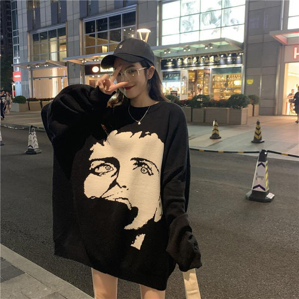 PORTRAIT EMBROIDERY PRINT KNIT OVERSIZED SWEATER