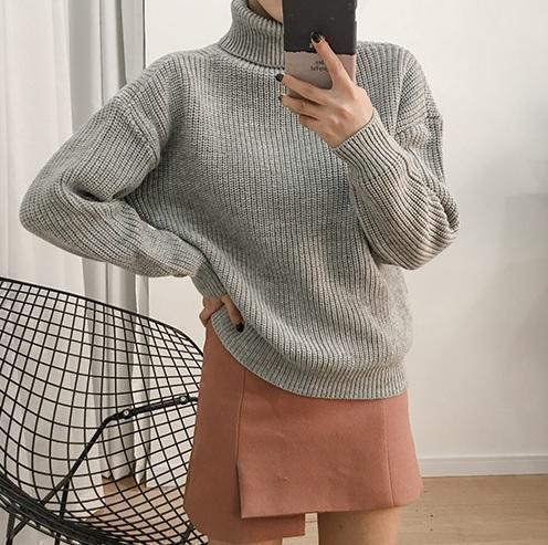SOLID COLORS VINTAGE TURTLE NECK LOOSE KNIT SWEATER