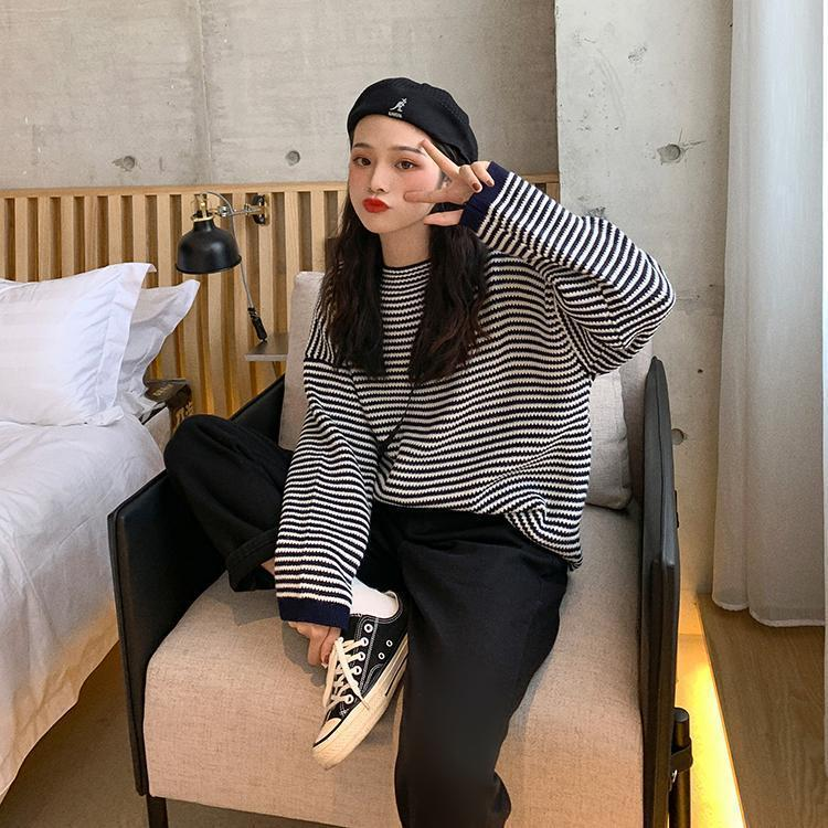 THIN STRIPES PRINT ROUND NECK LOOSE KNITTED SWEATER