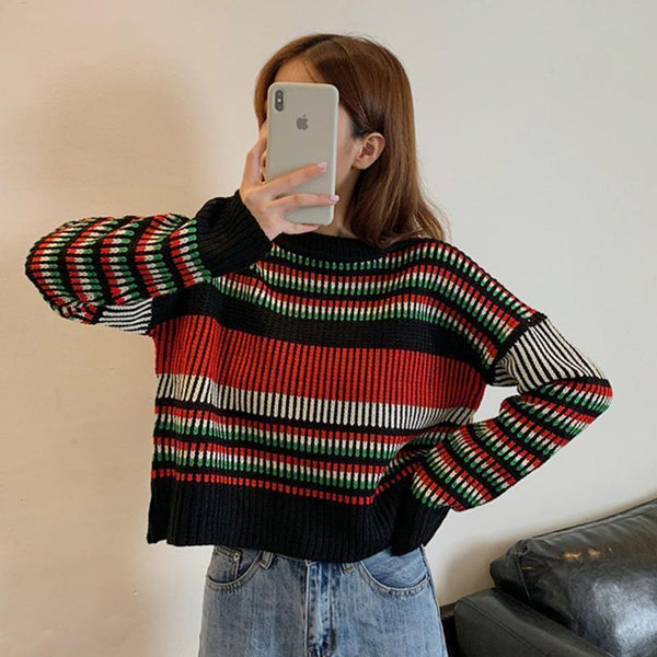 VINTAGE AESTHETIC SMALL STRIPES WHITE BLACK SWEATER