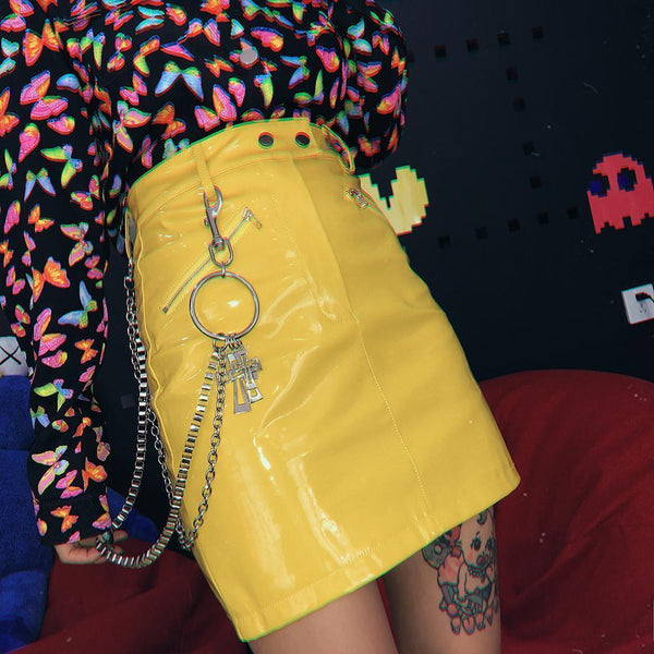 YELLOW PU PATENT LEATHER CROSSES CHAINS ZIPPER SKIRT