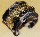 EMO FAUX FUR GOTHIC CHAIN OPEN CUFF