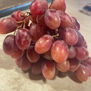 Grapes - Red Grapes (seedless)