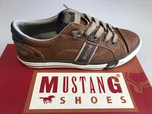 Chaussures basses mustang Farbe cognac