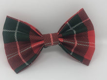 Load image into Gallery viewer, Red and Green Pet Bow Tie