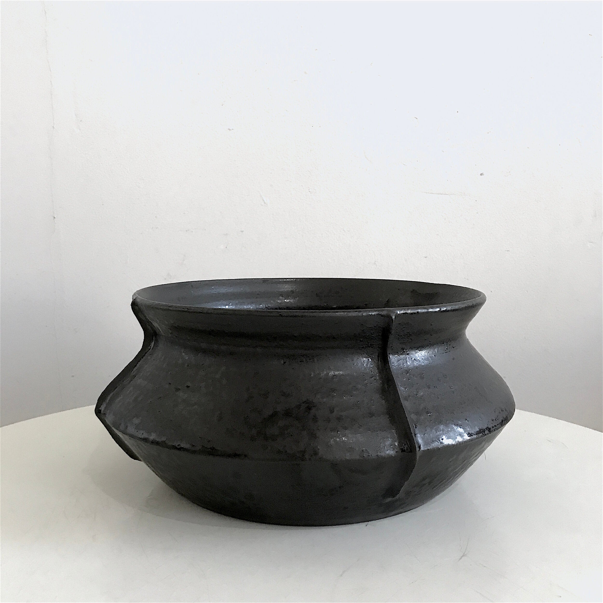 Low Vessel Gloss Black Large