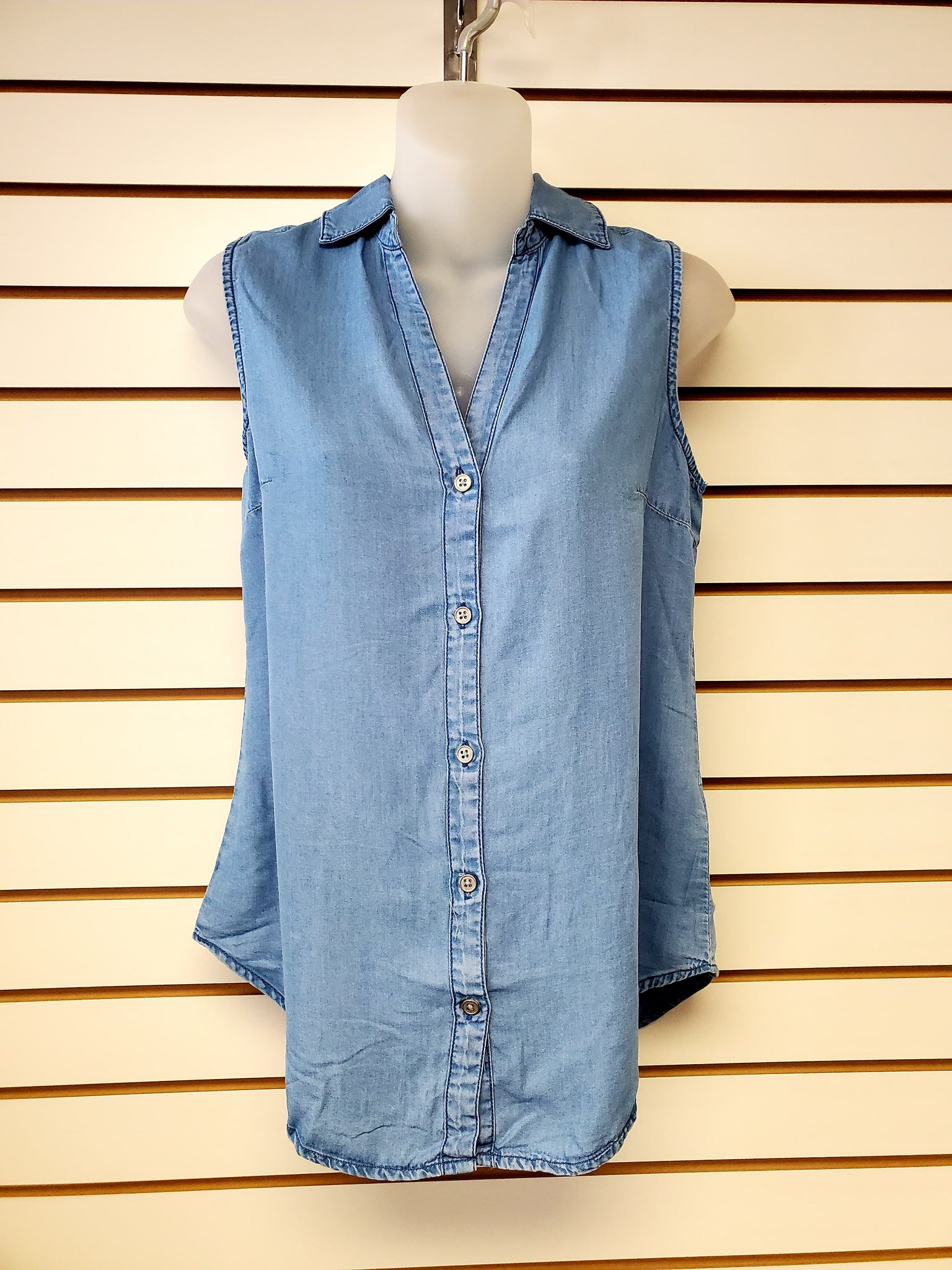 Sleeveless V-Neck Button-Up Top