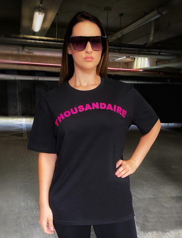 THOUSANDAIRE T-SHIRT - NEON PINK