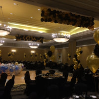 200 balloon drop nets on ceiling