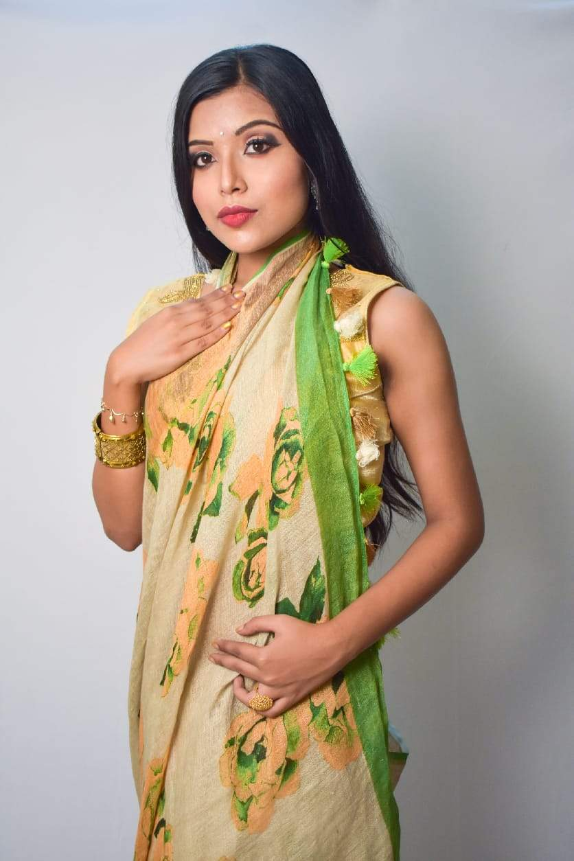 Floral Digital Print Linen Saree With Greenborder, Pure Linen By Linen Sarees,Embroidered Linen Sarees Online,Digital Floral Print Sarees