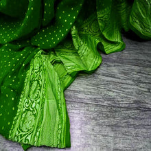 Load image into Gallery viewer, Green Banarasi khaddi chiffon saree, Pure Khaddi Georgette Sarees, Pure banarasi saree online