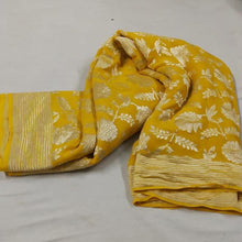 Load image into Gallery viewer, Mustard Banarasi Saree With Flower Jaal